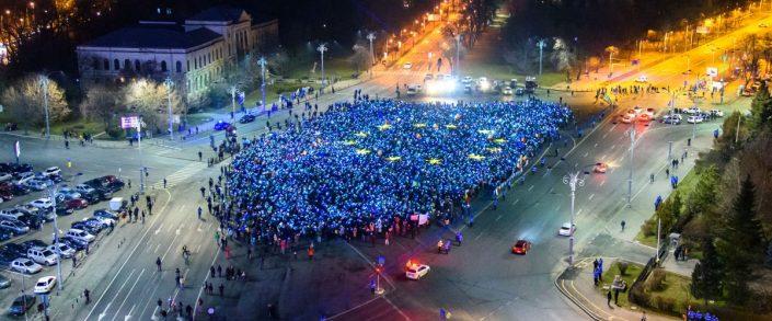 Steagul-UE-in-Piata-Victoriei-1-1200x500